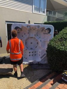 Terrific Spa Pool Movers Service In Auckland Best Transport Removal Download Free Architecture Designs Scobabritishbridgeorg