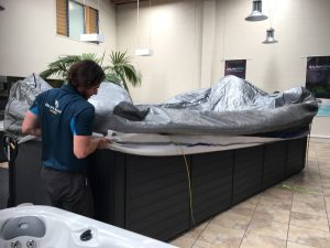 Astounding Spa Pool Movers Service In Auckland Best Transport Removal Download Free Architecture Designs Scobabritishbridgeorg